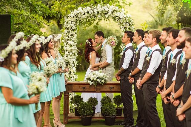 padrinhos e noivos reunidos